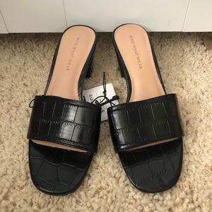 NWT who what wear Kalyn croc low heeled mules